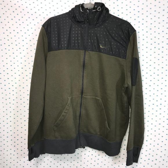 50ca8b6f59b9 Nike Army Green Men s Zip-Up Hoodie Jacket. M 5b367dd5534ef9c0a9a77d1c